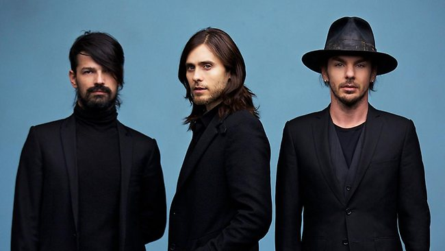 Кадры клипа Thirty Seconds To Mars - Up In The Air