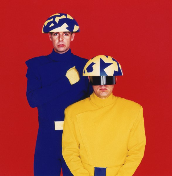 Кадры клипа Pet Shop Boys  - Go West
