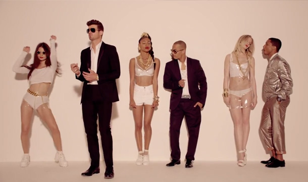 Кадры клипа Robin Thicke ft. T.I., Pharrell  - Blurred Lines