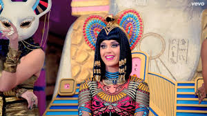 Кадры клипа Katy Perry feat. Juicy J  - Dark Horse